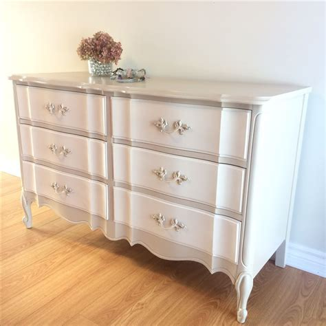 provincial bedroom furniture best 20 provincial ideas on country