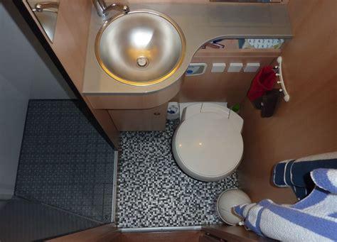 bodenbelag badezimmer estrich boden nivellieren mit - Estrich Im Bad Erneuern