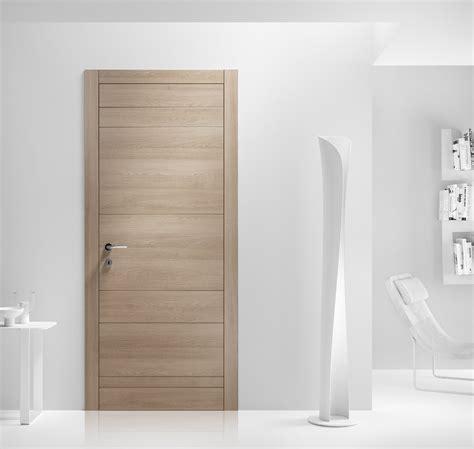 porta di legno porte a battente tinta legno laccata o decor cose di casa
