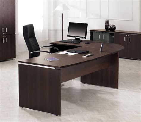 25 best ideas about executive office desk on