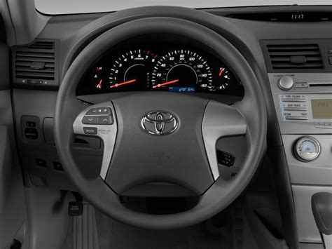 toyota steering wheel 2011 toyota camry pictures photos gallery green car reports