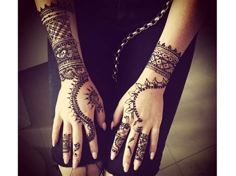 zayn malik henna tattoo perrie edwards gets a tribute to zayn