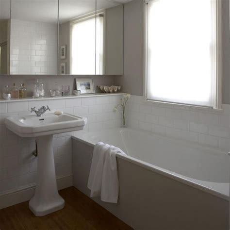Simple White Bathrooms by Simple White Bathroom Decorating Ideas Housetohome Co Uk