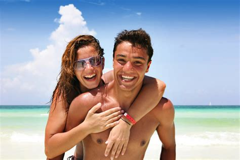 Couples Vacation How To Survive Your Vacation As A
