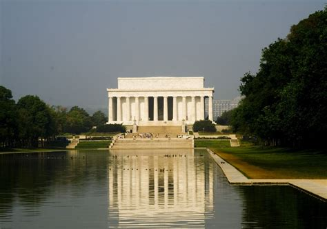 monument of abraham lincoln in washington dc the lincoln memorial washington dc travel and tourism