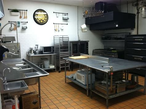 bakery kitchen design 24 best small restaurant kitchen layout images on