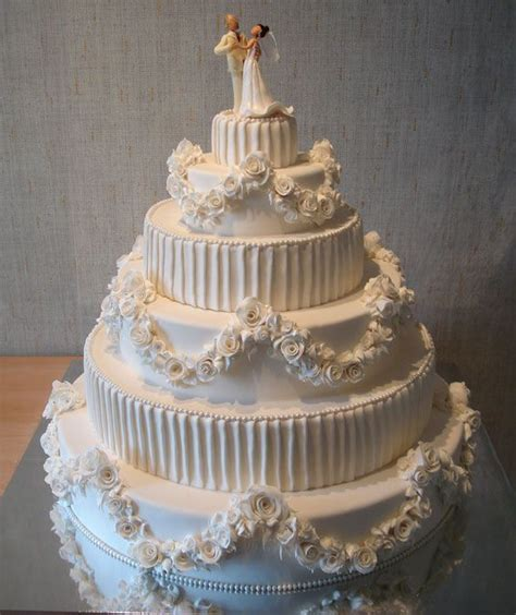 Traumhafte Hochzeitstorten by The Most Beautiful Wedding Cakes 35 Pics