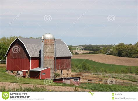 fashioned barn rural farm in the midwest stock photo image 61607659