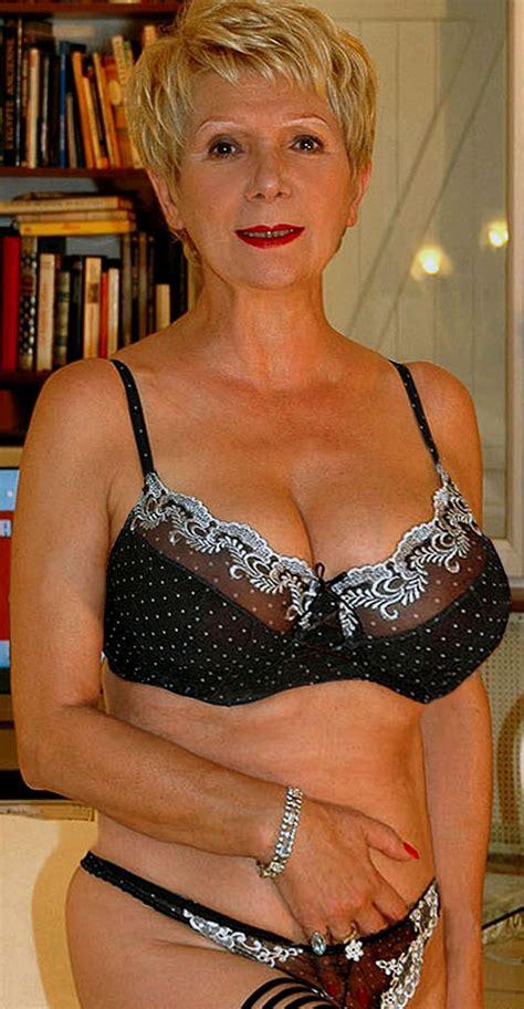 old ladys in corsets pics cs female beauty pinterest beautiful ladies