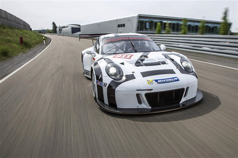 porsche 911 race 2016 porsche 911 gt3 r is the awesome racing version of