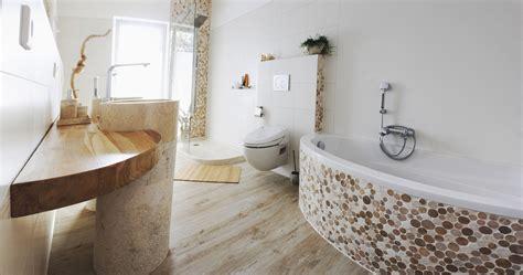 wandverkleidung für badezimmer naturstein fliesen wohnzimmer
