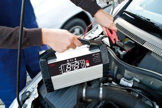 Motorrad Batterie Abklemmen Welcher Pol Zuerst by Motorrad Batterie Ausbauen Welcher Pol Zuerst