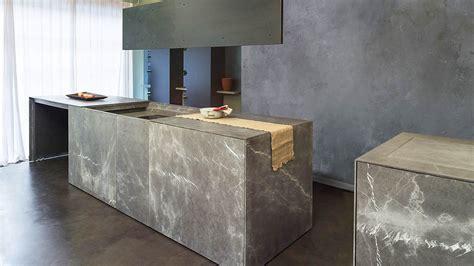 cucine in pietra cucina monoblocco a scomparsa in pietra di corinto con isola