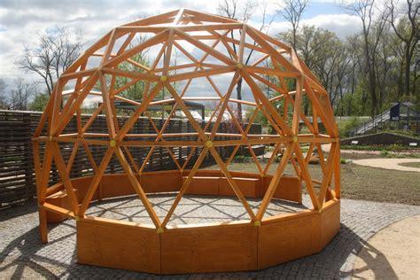 Geodätische Kuppel Selber Bauen by Green Domes Geod 228 Tische Garten Kuppel Futurum Domes