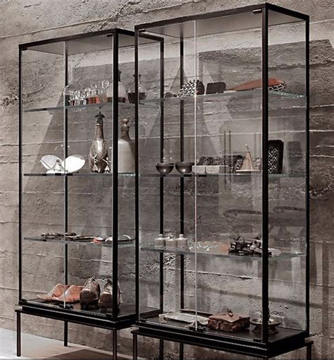 lemari kaca  dinding  menawan sakti desain