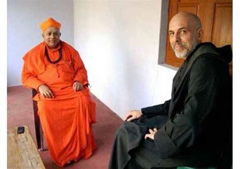 catholic hindu syncretism celebrated  india