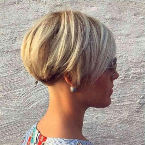 womens short windblown hairstyles cele mai bune 25 de idei despre tunsori bob scurte pe