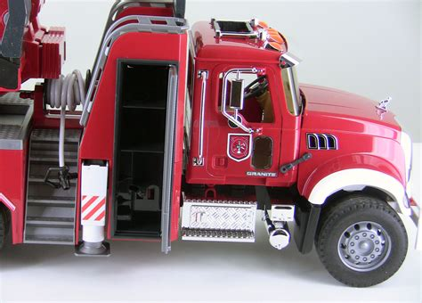 Bruder Mack Truck With Ladder And Water 3000toys details that matter mack granite engine