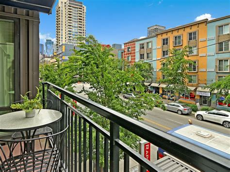 2 bedroom downtown seattle oasis ale 8 1 8 5 2 bedroom downtown seattle oasis 4 23 25 5 homeaway