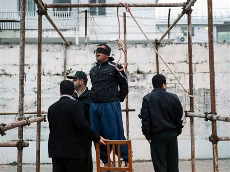 Blind Guardian Live Iranian Man Spared Execution At Last Second By Victim S