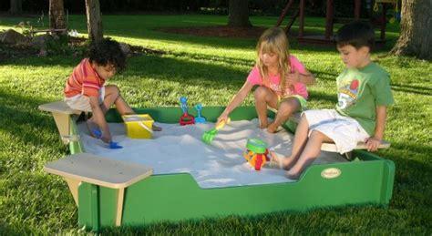 Backyard Preschoolers Backyard Safety For