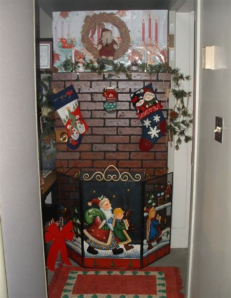 christmas office door contest idea door decorating contest ideas for the office door home design ideas lj7bvzjbmg