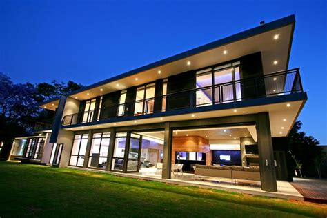 luxury and large contemporary house home building