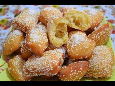 membuat kue bantal resep roti goreng manis wijen 01 resep kue indonesia
