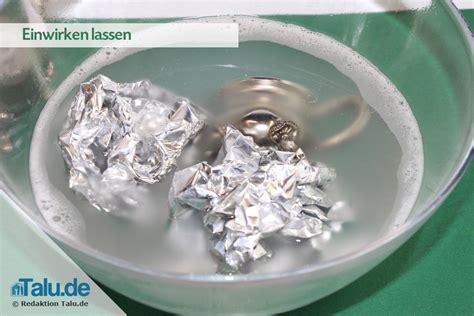 Polieren Alu Folie angelaufenes silber reinigen wirkungsvolle hausmittel
