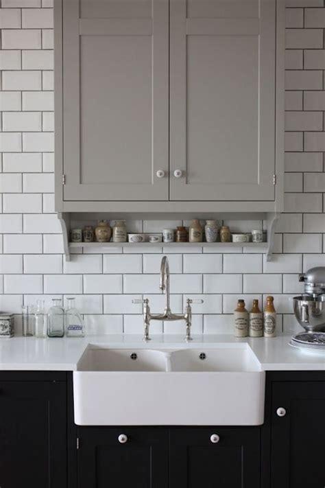 kitchen sink splashback contrast grout dark grout subway tiles white kitchen