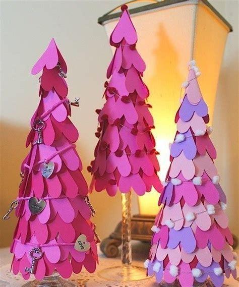 weihnachtsbaum aus papier weihnachtsbaum aus papier herzen basteln dekoking