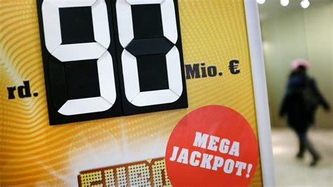 wann werden eurojackpot zahlen gezogen 90 millionen im eurojackpot so erh 246 hen sie ihre gewinnchancen