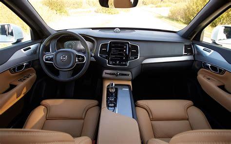 comparison volkswagen atlas     volvo xc   design  suv drive