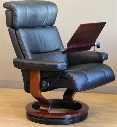 recliner chair with laptop table stressless elevator ring from ekornes