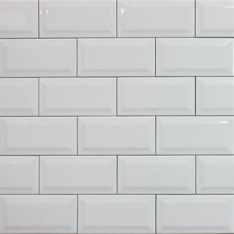 White metro tile womag