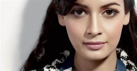 Makeup Mirza Emil diya mirza best looks tips pictures collection
