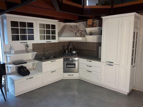 cucina beverly cucina stosa cucine beverly laccata bianco poro aperto