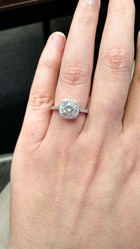 Engagement Ring Finger Size by Size 8 Ring Finger Bees