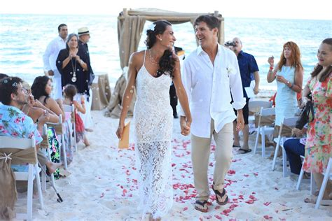summer beach chic bahamas wedding natalia and doug
