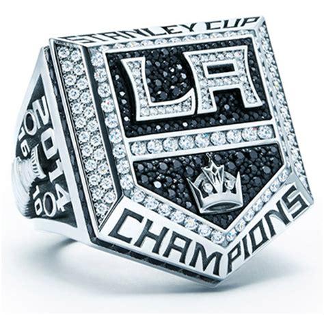 Los Angeles Kings Replica Ring Giveaway - los angeles kings give fans replica 2014 stanley cup rings