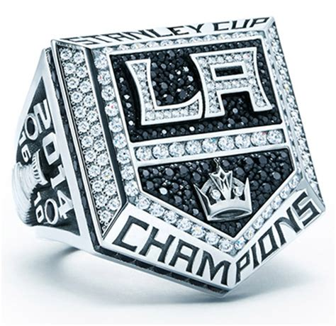 La Kings Giveaway Schedule - los angeles kings give fans replica 2014 stanley cup rings