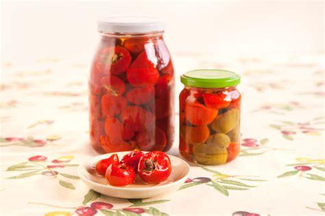 alimenti a rischio botulino peperoncini sott olio sono a rischio botulino wdonna it