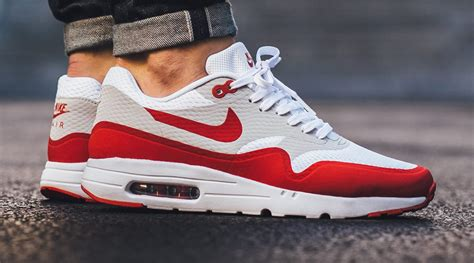 Nike Air Max One Essential by Nike Air Max One Essential Nike Free Trainer 3 0 V3
