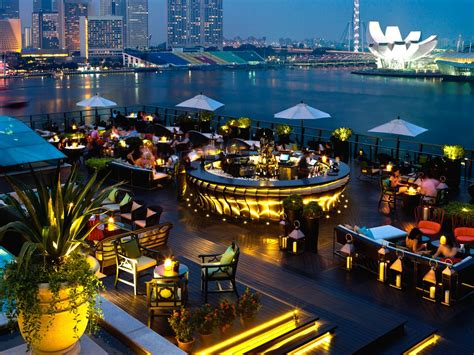 Roof Top Bars Singapore lantern rooftop bar singapore fullerton hotel marina bay