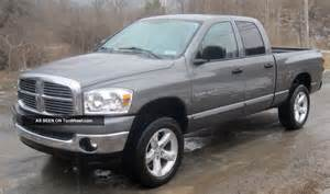 2007 dodge ram 1500 slt crew cab 4 door 4 7l