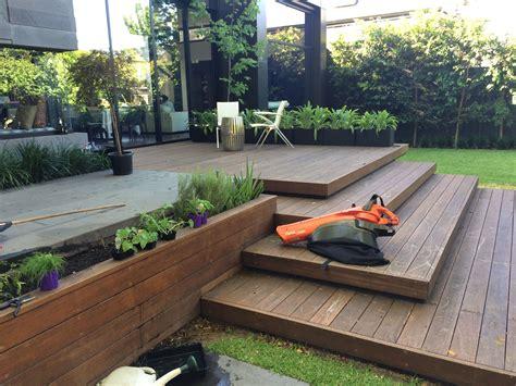 Garten Sichtschutz Ideen 1517 by Beautiful Decking Makes The Outside Entertaining Area