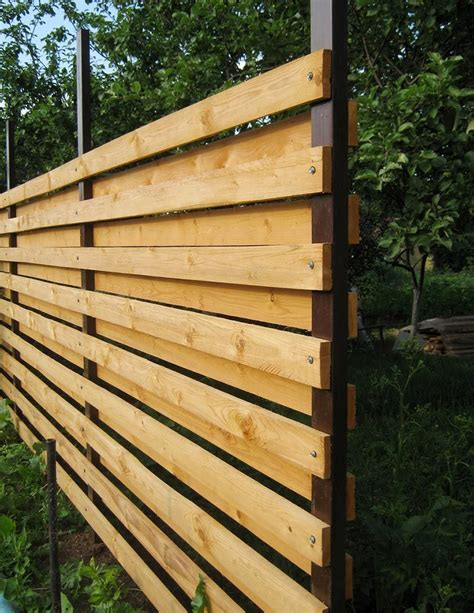 Privacy Fence Plans by How To Build A Horizontal Fence With Your Own