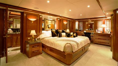 master on suite luxury motor yacht carte blanche ex wheels trinity yachts