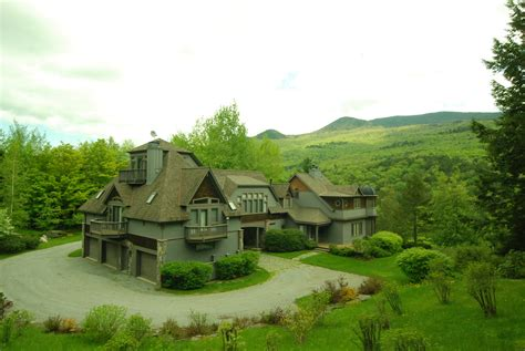 stowe vt luxury 6 bed 6 bath home for sale 2 5 million
