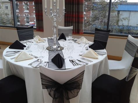 hire tablecloths and chair covers black white or ivory tablecloths from 163 4 each linen